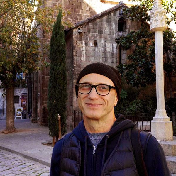 Частный гид экскурсовод по Барселоне Евгений