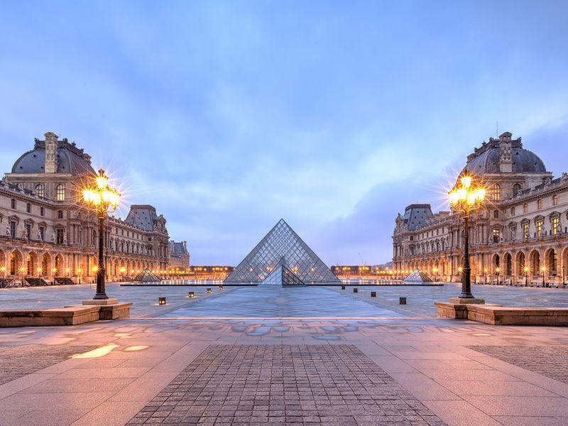 Экскурсия Крепость, дворец, музей. Понять историю и значение Лувра за 2 часа