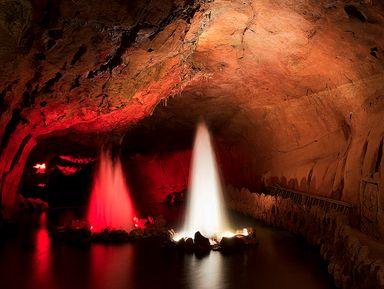"""Подземное царство в Португалиии. Спуск в пещеры """"Мира де айре"""""""
