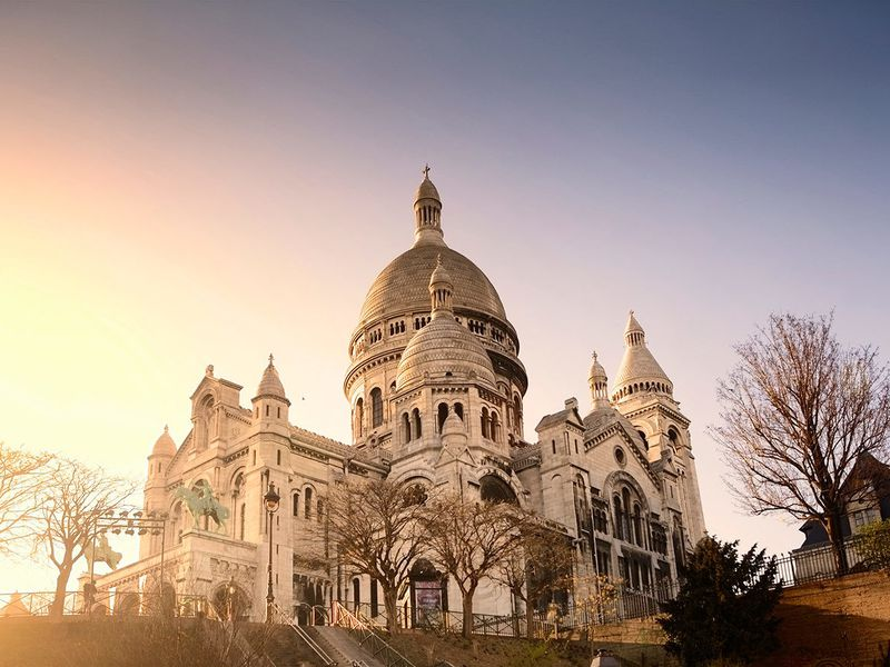 Экскурсия Очарование Монмартра: прогулка в мини-группе с посещением Сакре-Кёр