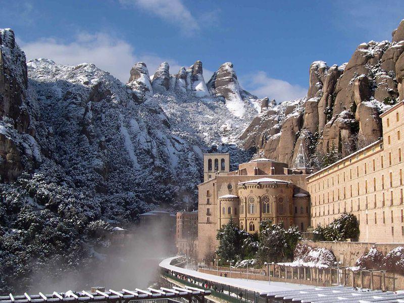 Экскурсия Монсеррат иМонжуик— сердце изеленые легкие Каталонии