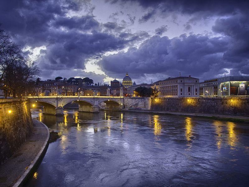 Экскурсия Магия ночного Рима: прогулка вмини-группе