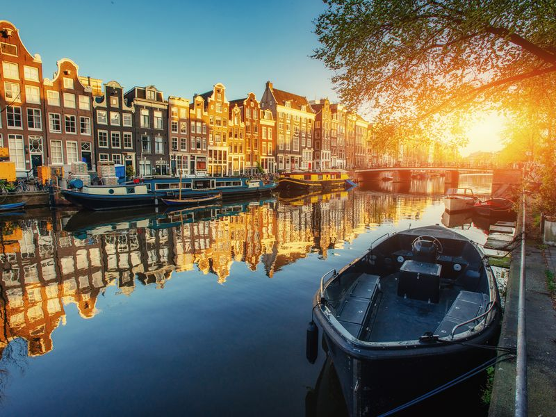 Путешествие по каналам Амстердама
