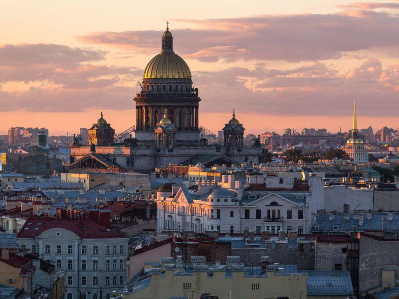 Экскурсия Петербургский топ: чаепитие накрыше свидом наИсаакиевский собор!