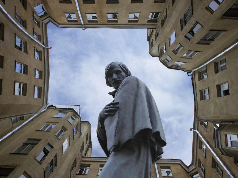 Экскурсия По следам Гоголя в Петербурге