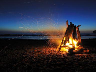 Ночь на диком пляже