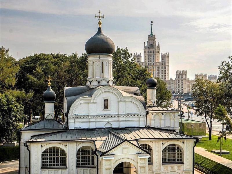 Экскурсия Зарядье и Варварка — путешествие по средневековой Москве