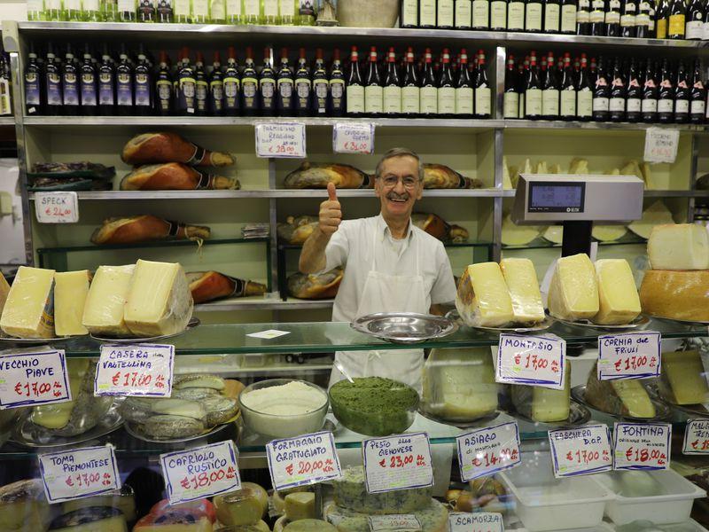 Экскурсия Сыры, прошутто, пицца, вино, выпечка и другие деликатесы итальянской кулинарии