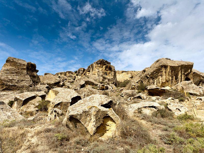 Наскальные рисунки, грязевые вулканы Гобустана и весь Апшерон