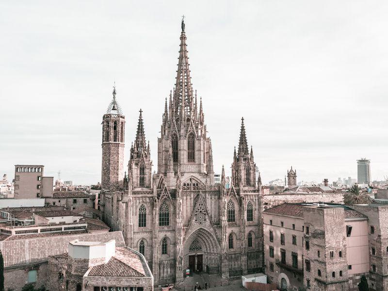 Экскурсия Барселона³: история, вкусы иискусство города