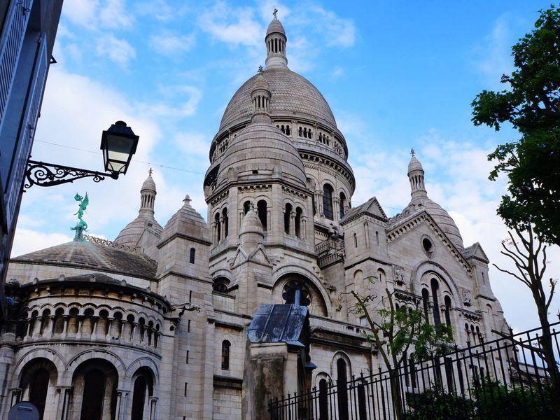 Онлайн-прогулка по цветущему Монмартру