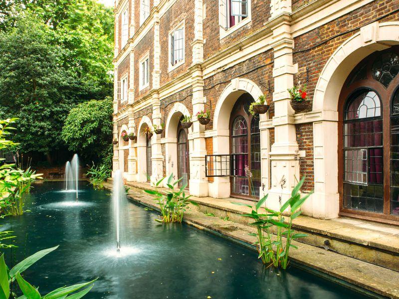 Экскурсия Лондон богатых изнаменитых: прогулка порайону Holland Park
