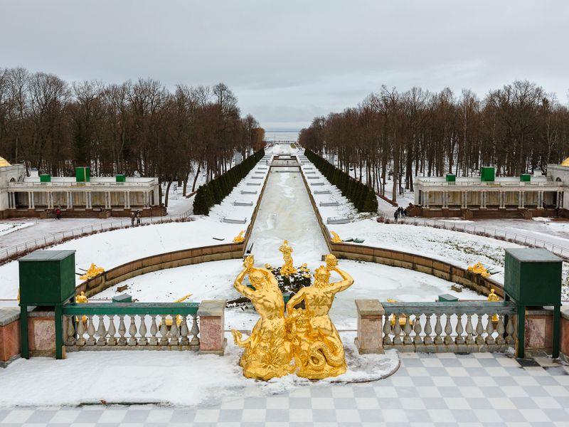 Экскурсия Петергоф иКронштадт: два города заодин день