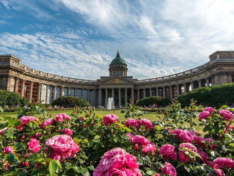 Экскурсия Вокруг Казанского собора