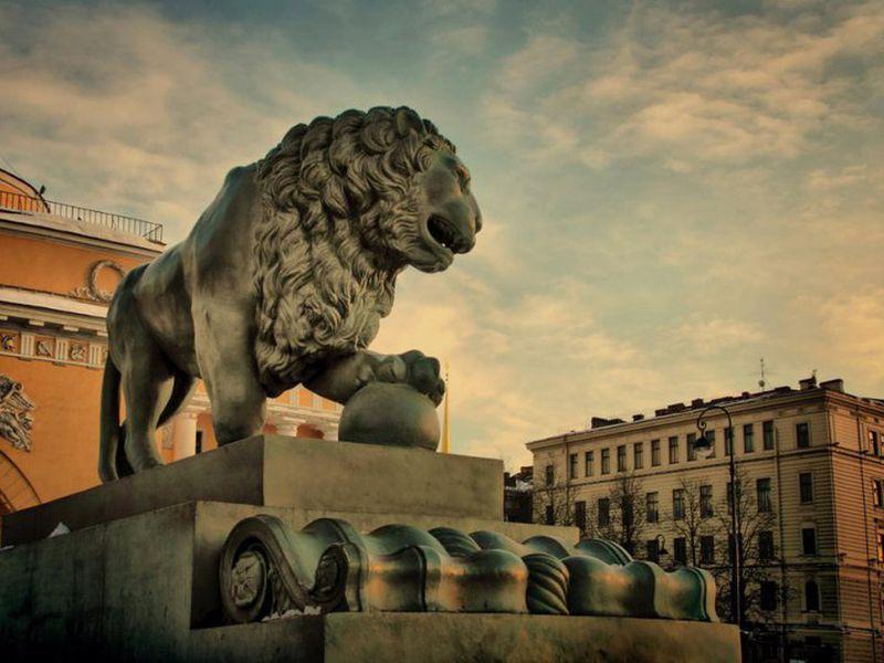 Экскурсия Львы Петербурга: новые приключения итальянцев вРоссии