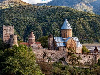 Владикавказ— Тбилиси: впуть поВоенно-Грузинской дороге