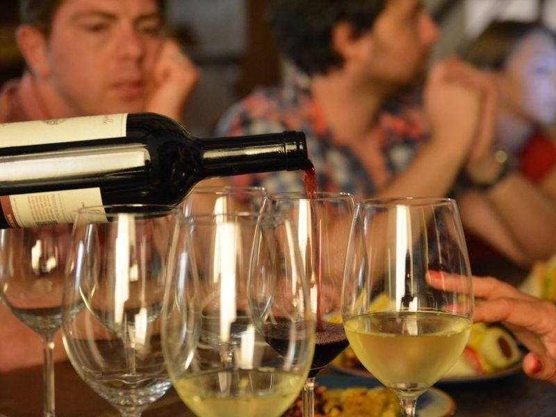 Сыры, прошутто, пицца, вино, выпечка и другие деликатесы итальянской кулинарии