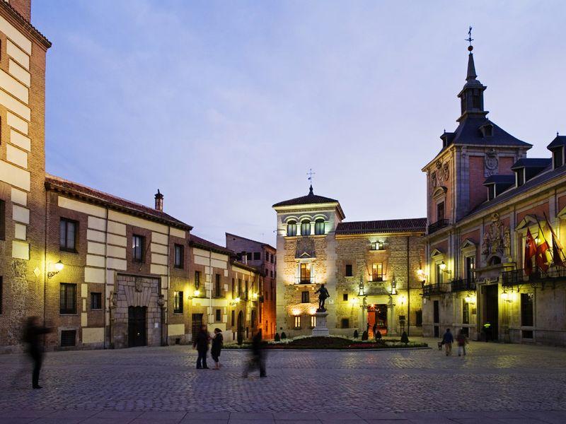 Экскурсия По темной стороне Мадрида