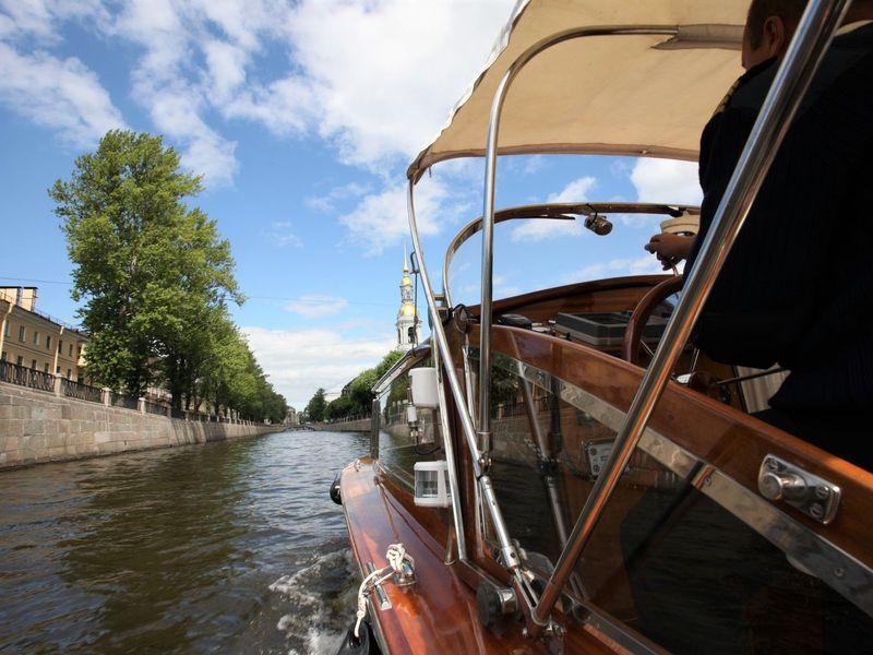 Экскурсия Лучший взгляд на Петербург: прогулка на персональном катере
