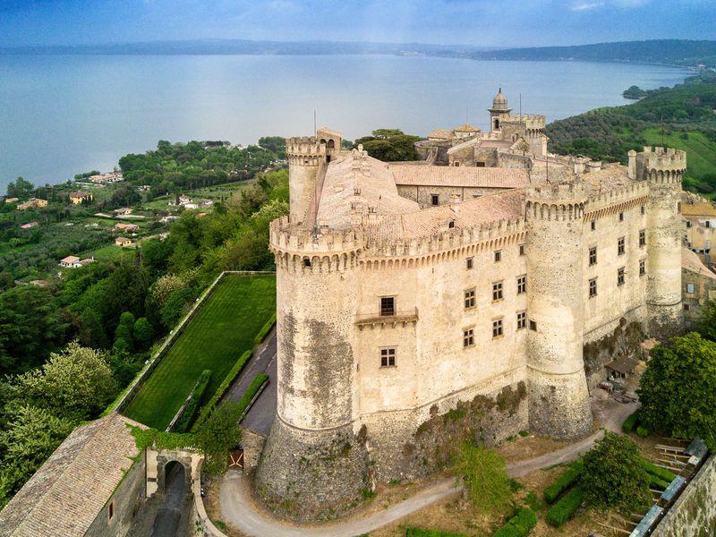 Экскурсия Из Рима — в старинный замок Орсини-Одескальки!
