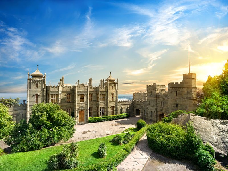 Шедевры Южного Крыма: Воронцовский дворец и замок «Ласточкино гнездо» width=