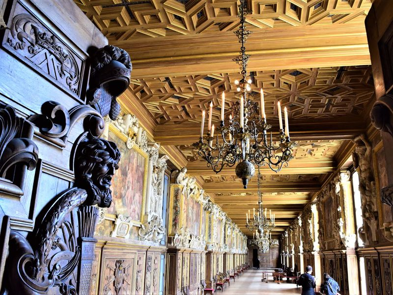 Фонтенбло — король замков вокруг Парижа