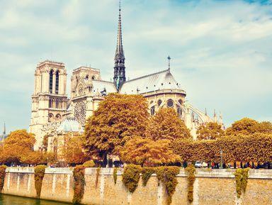 Экскурсия в Париже: Прогулка по историческому центру к собору Нотр-Дам