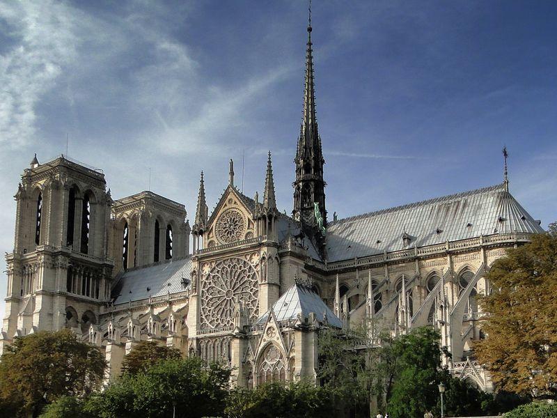 Экскурсия Нотр-Дам де Пари — судьба и секреты