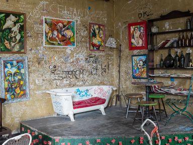 Руин-пабы — самые необычные бары Будапешта