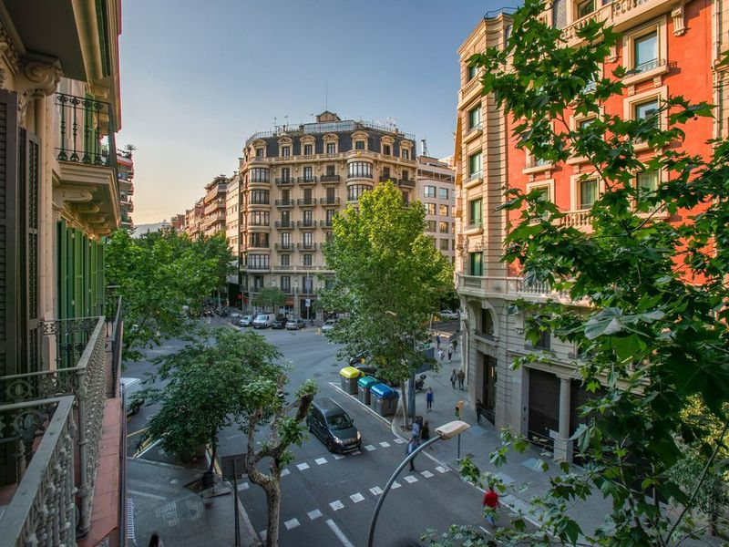 Экскурсия Пять районов Барселоны затри часа