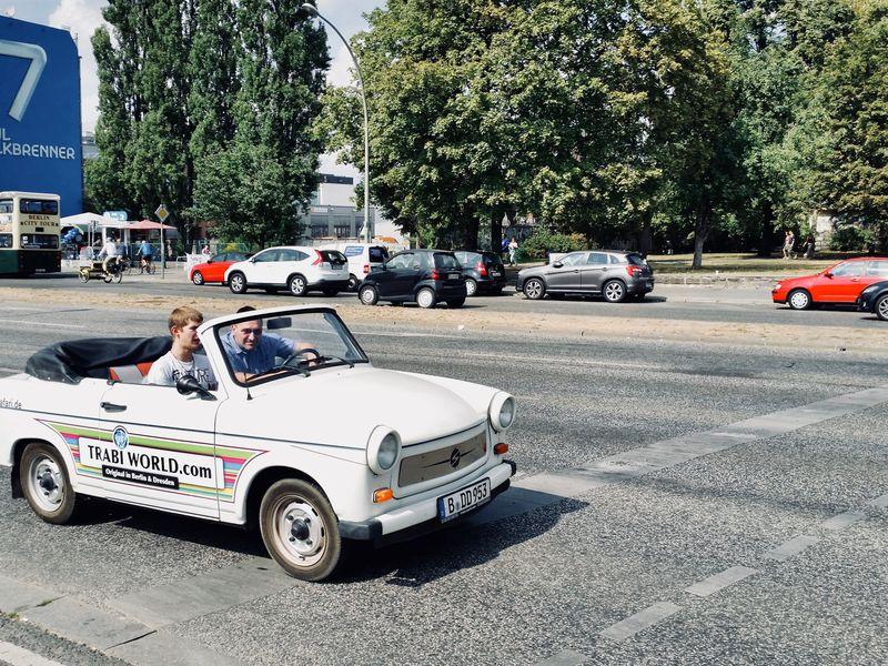 Берлинская стена — история и судьбы людей