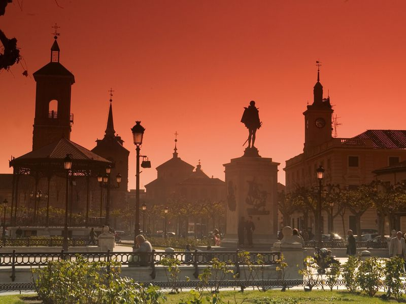 Экскурсия Алькала-де-Энарес: овеликом Сервантесе иистории города