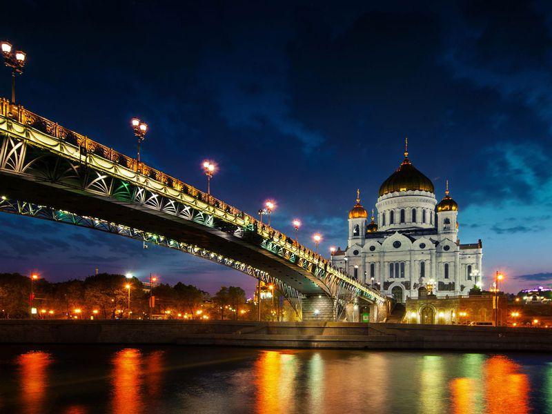 Свидание свечерней Москвой