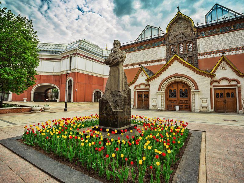 Онлайн-экскурсия поТретьяковке: отРублёва доАйвазовского
