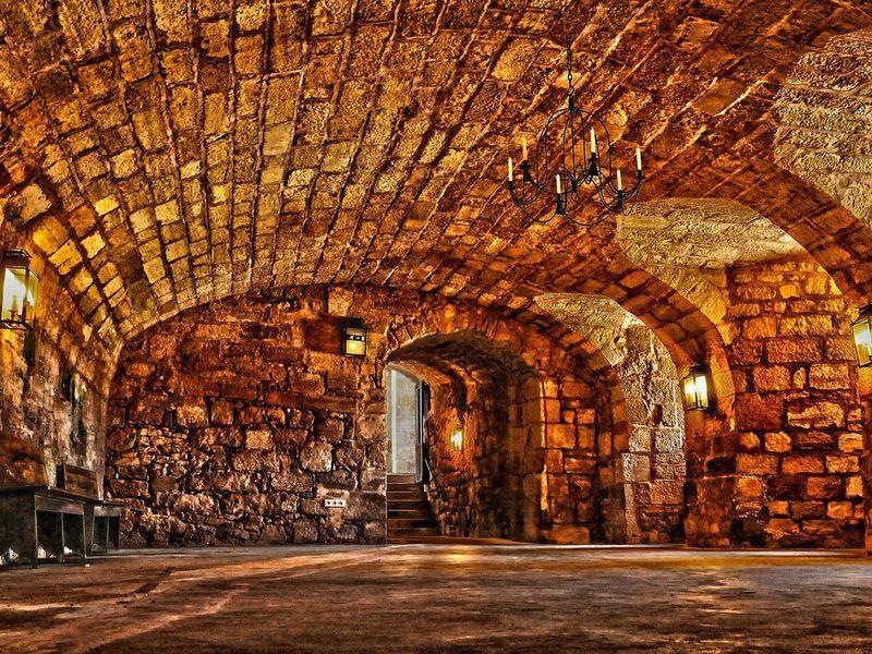 Средневековая Прага иеёподземелья