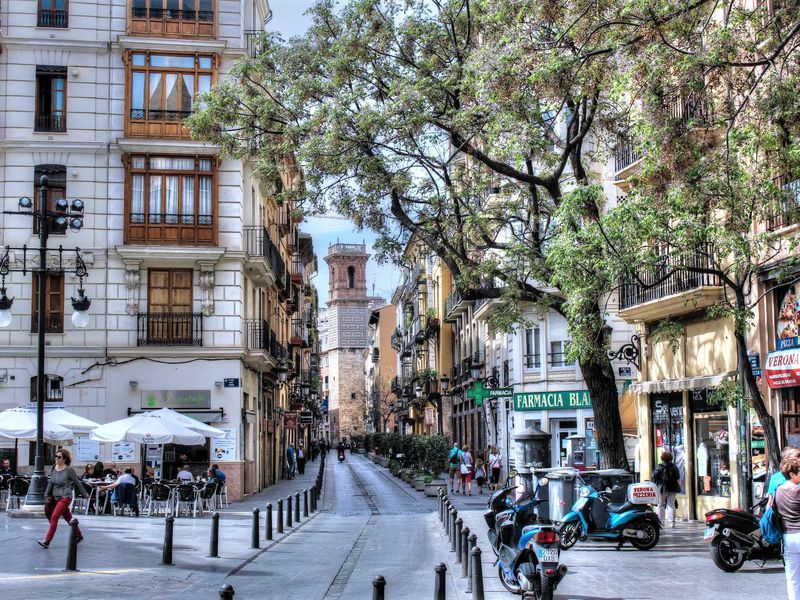 Поймать дракона: прогулка-квест по Валенсии