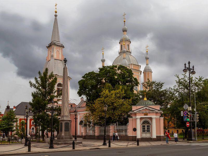 Экскурсия Десять святынь Петербурга
