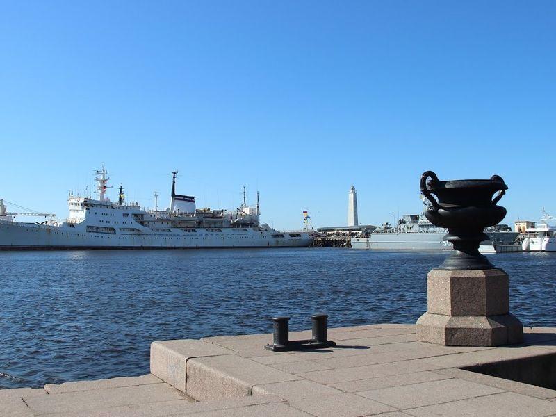 Экскурсия Весь Кронштадт, форт «Великий князь Константин» и теплоходная прогулка по гавани