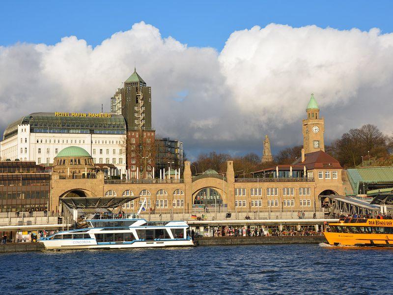 Гамбург— город мостов, моряков и миллионеров