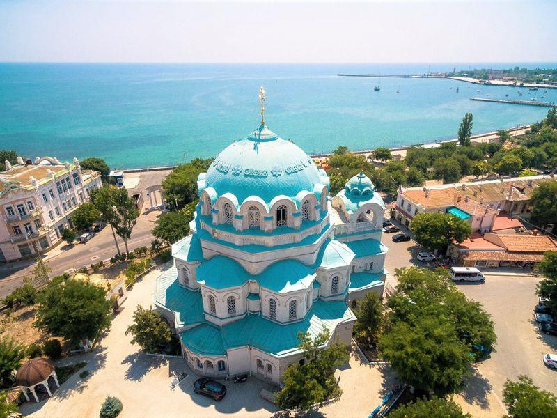 Духовный центр Евпатории— собор Святого Николая width=