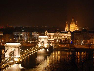 Ночная панорама и жизнь Будапешта