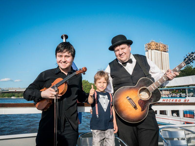 Экскурсия Музыкальный теплоход для детей ивзрослых