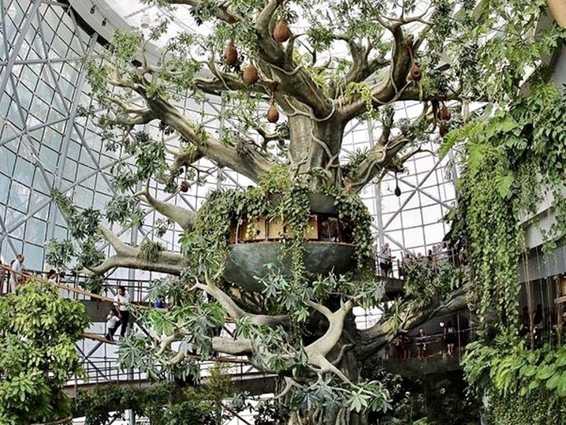 worlds largest artificial tree - 943×707