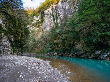ВАхштырскую пещеру иущелье Мзымта изСочи