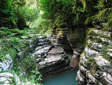 Путешествие в Воронцовские пещеры и Навалищенский каньон