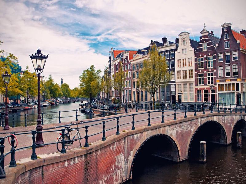 Амстердам вдоль и поперек