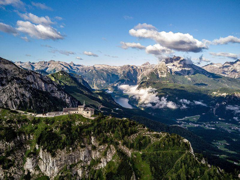 «Орлиное гнездо»— альпийская резиденция Гитлера