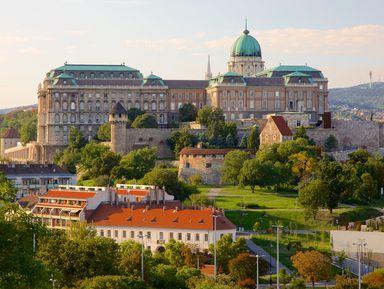 Будайская крепость — город в городе