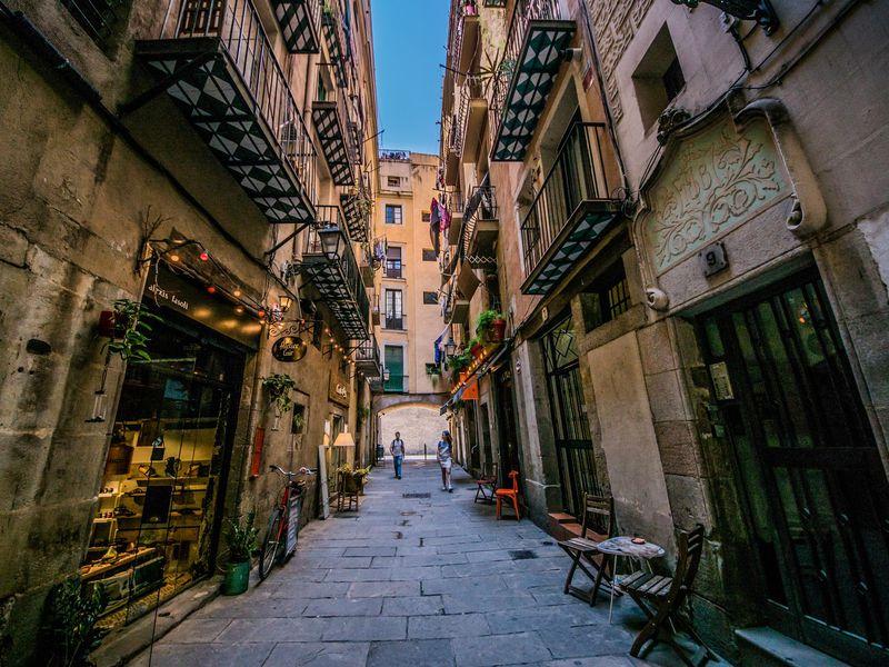Онлайн-прогулка по Барселоне: Готический квартал, Эль Раваль и Ла Рамбла