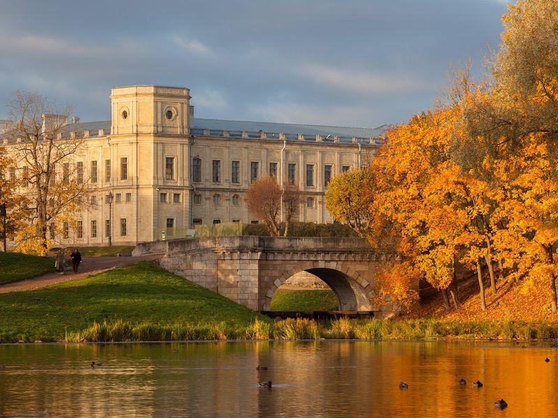 Экскурсия ИзПетербурга вГатчину: последам «русского Гамлета»